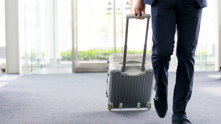 Urteil BAG: Dienstreise ins Ausland ist als Arbeitszeit anzusehen und deshalb entsprechend zu vergüten